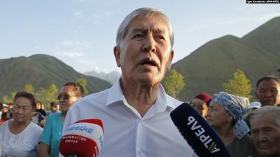 Алмазбек Атамбаев отстреливался от спецназа ГКНБ, но сдался спецназу МВД