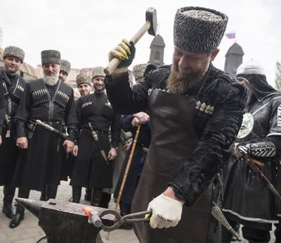 Нелояльность Рамзану Кадырову выбивают в подвалах