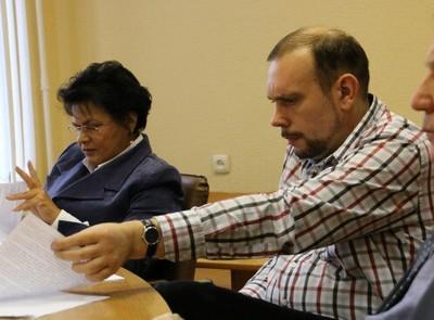 Главред газеты «Новгород» дважды изнасиловал журналистку — жену друга детства