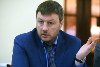 Вадим Власов злоупотребил на дороге