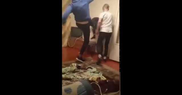 В России подростки зверски избили ровесника на «вписке» в запрещенную организацию АУЕ
