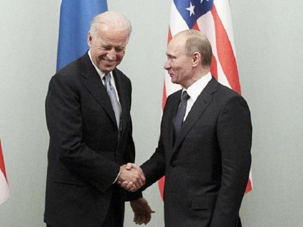 «Володя, пора на отдых»: стало известно, как шутка Байдена о Путине взбесила Кремль