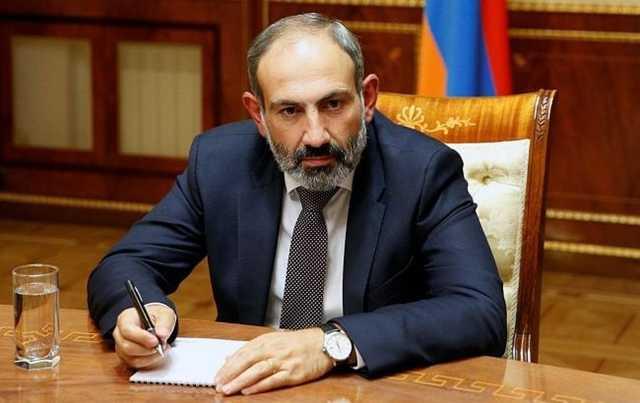 В Армении почти 20 партий требуют отставки премьера из-за ситуации в Карабахе