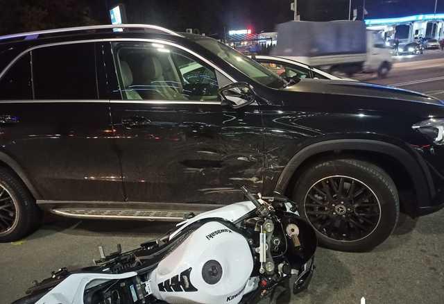 В Киеве судья сбил мотоциклиста