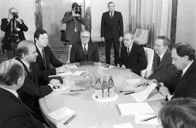 В Сети напомнили, как Байден посетил Москву в 1988 году