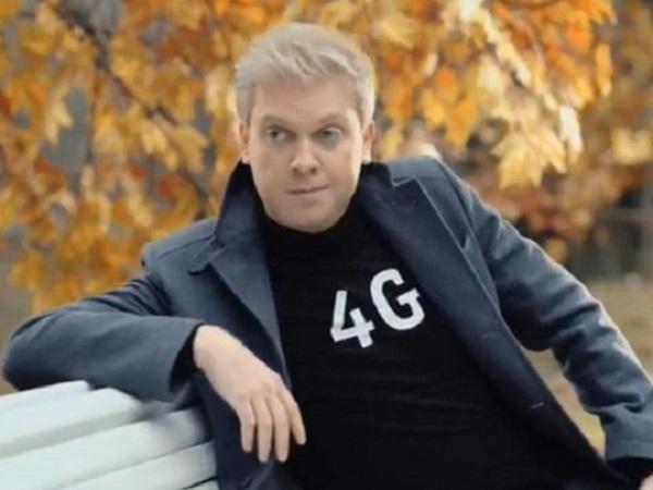 Известный российский шоумен в тяжелом состоянии госпитализирован с коронавирусом