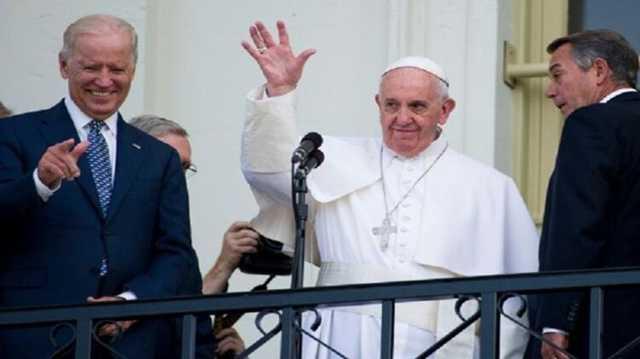 Папа Римский поздравил Байдена с победой на выборах и благословил его