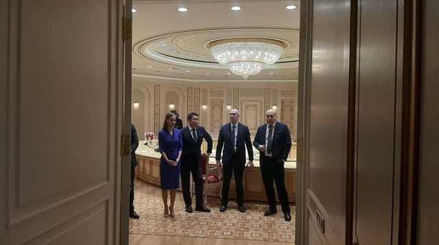Друзья друзей. Что за зарубежные СМИ, которым Лукашенко дал интервью