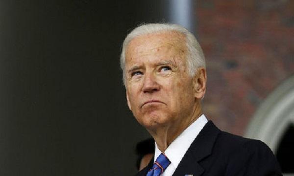 «Серьезная угроза для нацбезопасности». 160 экс-сотрудников спецслужб США призывают скорее объявить Байдена президентом