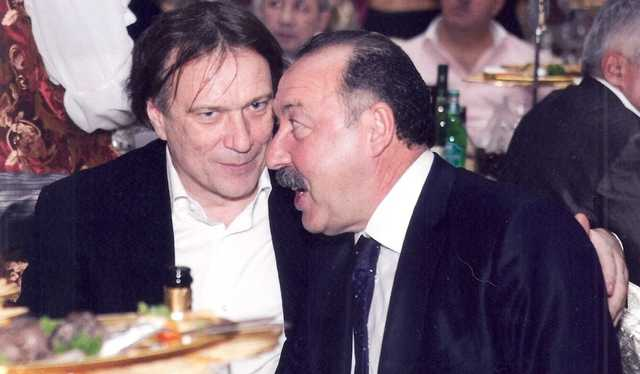 Газзаев и Аксенов ушли от дела «вора в законе» Шишкана