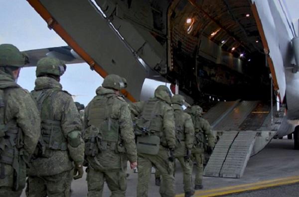 Российские миротворцы под прикрытием авиации въехали в Степанакерт
