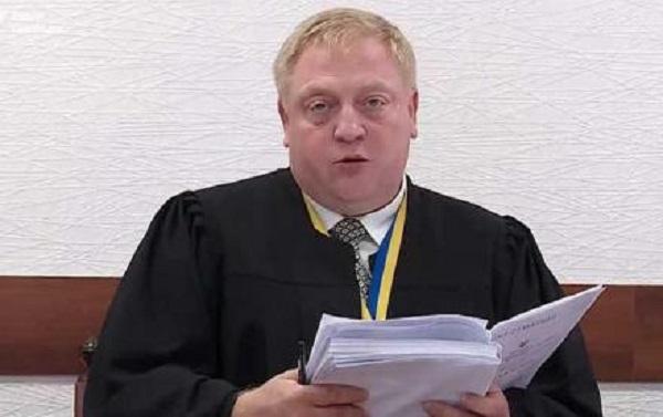 Автоворы обчистили скандального судью Сливу