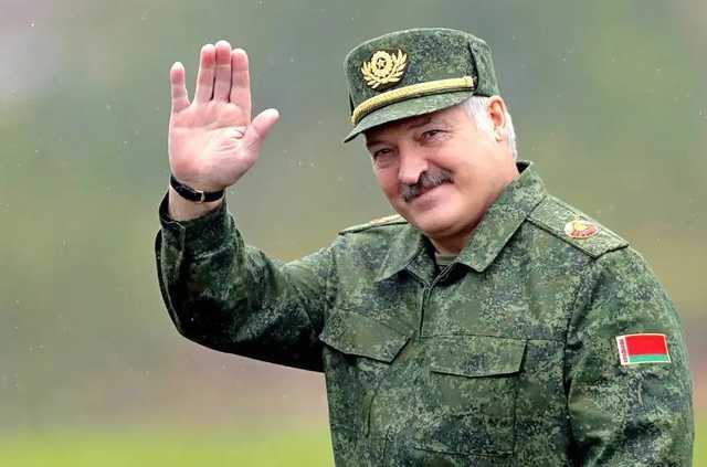 Лукашенко хочет отдать большую часть полномочий парламенту