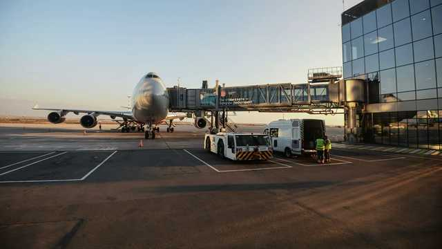 Украина наложила арест на 44 российских самолета, летавших в Крым