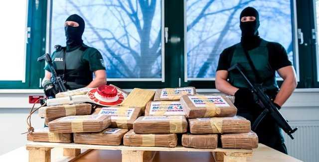 «Чемоданы с кокаином упаковал, как дипломатическую почту»