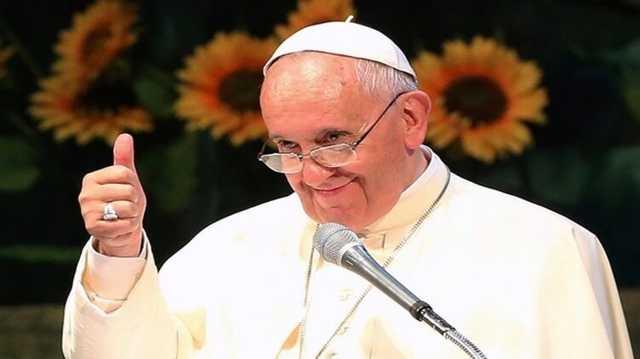 Папа Римский поставил лайк под эротическим фото модели в чулках, Ватикан начал расследование