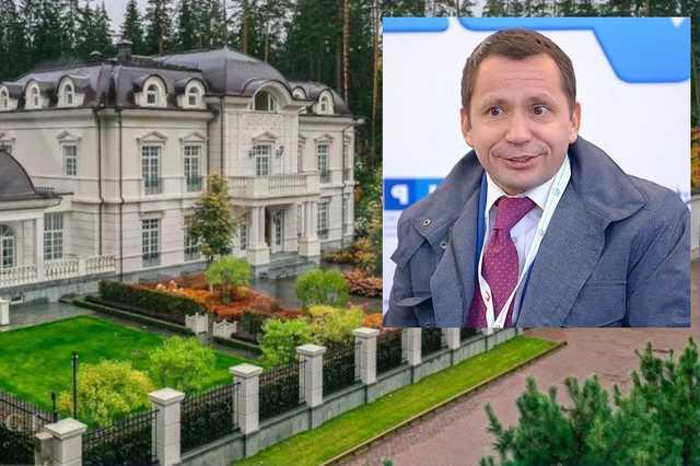 Совладелец аэропорта «Внуково» Виталий Ванцев учредил новую компанию и купил себе поместье в «Садах Майендорф»