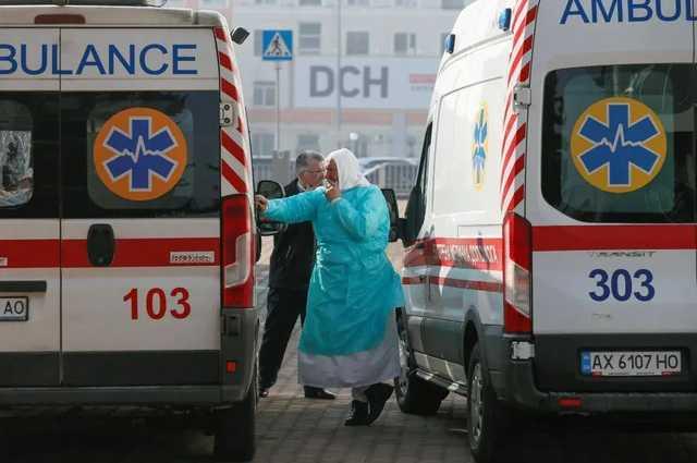На Сумщине женщина с подозрением на коронавирус умерла перед входом в больницу