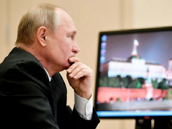Закашлявшегося Путина заподозрили в заболевании