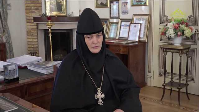РПЦ наращивает мощи. Как семья игуменьи Феофании благодаря Матроне Московской стала богатейшим кланом при РПЦ