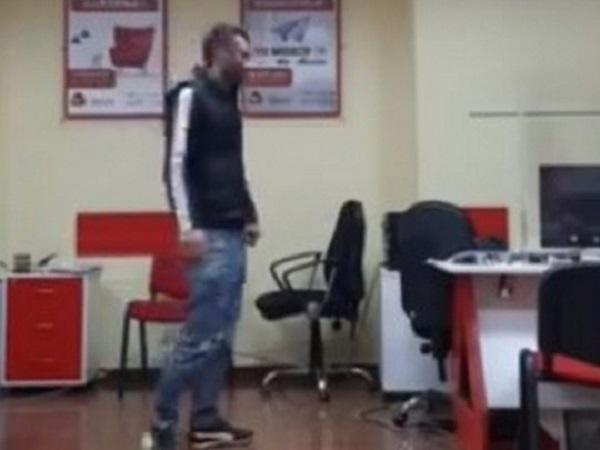 Преступник, захвативший заложников в Тбилиси, озвучил странные требования