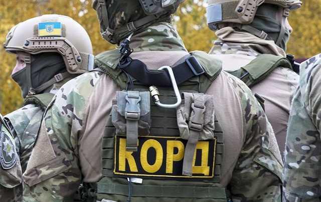 Спецназ загнал в лес под Шаргородом троицу отпетых похитителей-вымогателей