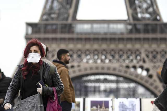 В Париже с января начнут массовую вакцинацию от коронавируса. Прививки сделают 30-40% населения