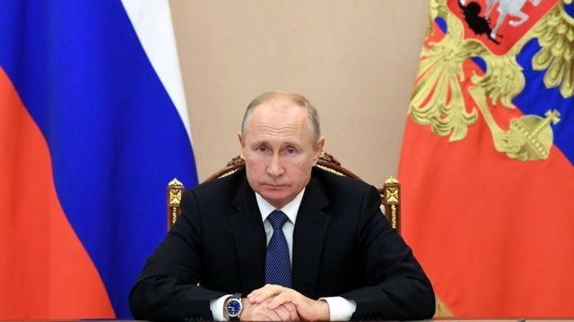 Путин продлил продуктовое эмбарго для стран Запада до конца 2021 года