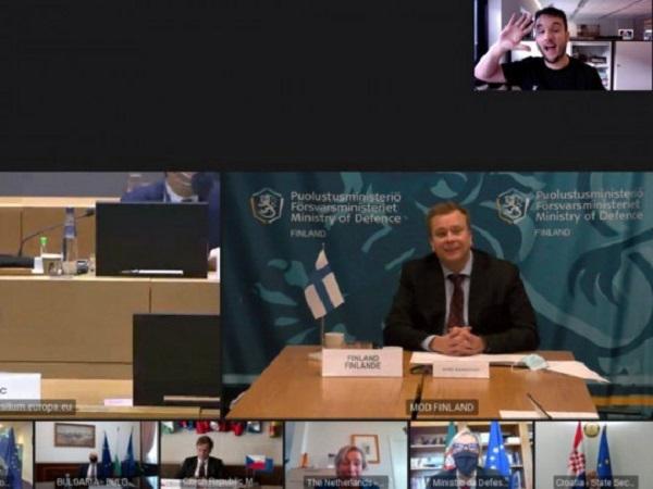 Журналист проник на секретную видеоконференцию европейских министров и вызвал смех