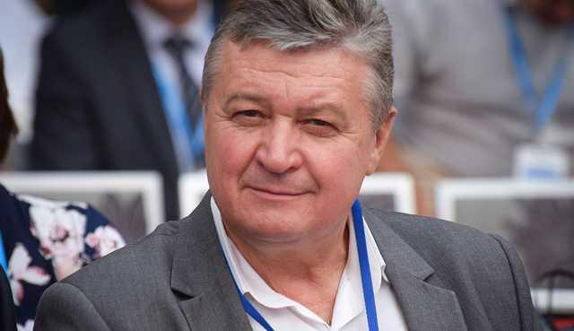 СМИ: Подвозом избирателей в Николаеве занимается бывший вице-мэр Женжеруха, платит Чайка