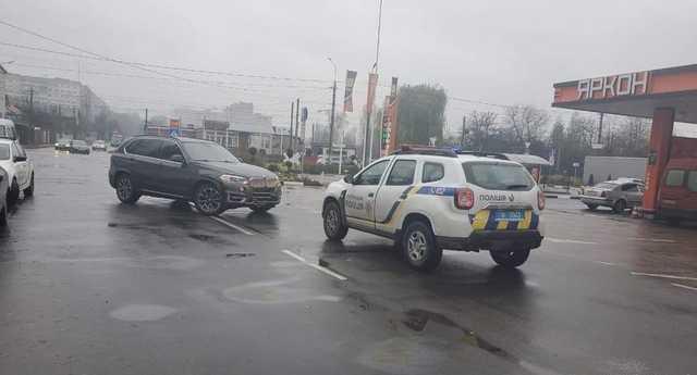 Депутат наехал на патрульного в Житомире