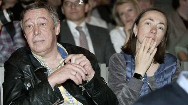 «Редкая женщина не жаждала бы мести». Жена Ефремова подает на развод из-за измены актера
