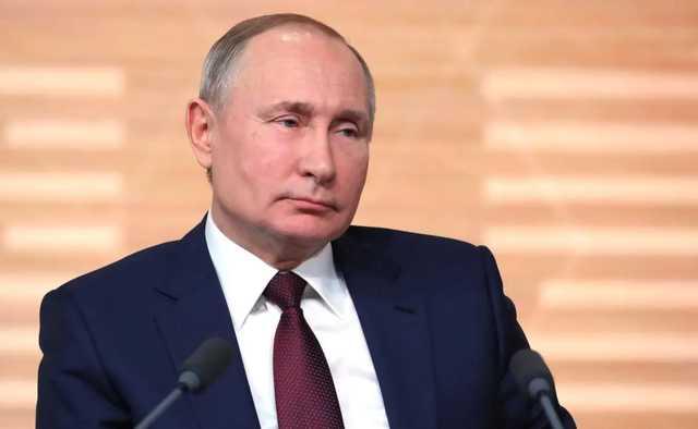 Песков о причинах отказа Путина вколоть российскую вакцину: Она не сертифицирована