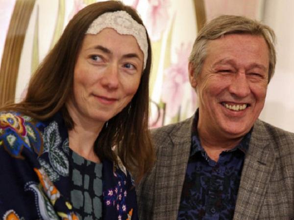 Отдал последнее: не зная о разводе, Ефремов выписал на жену доверенность на пользование своим счетом в банке