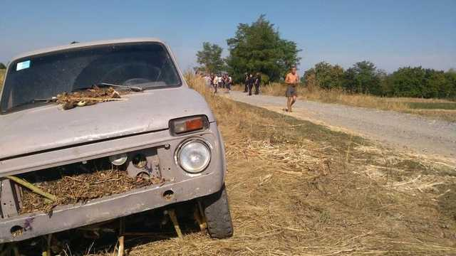 Битва за урожай на заповедных землях Черкасщины. Полиция в тандеме с «титушками»?