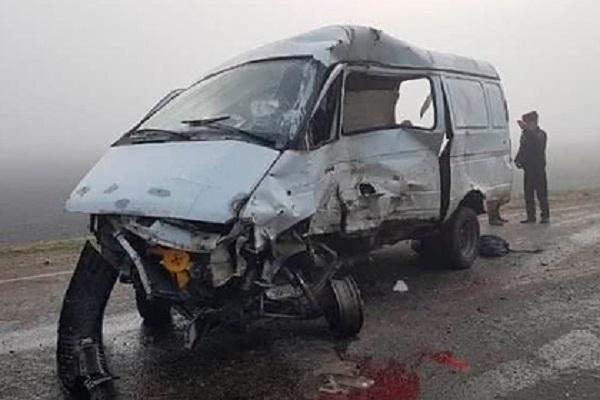 В России шесть человек погибли в аварии с маршруткой и КамАЗом