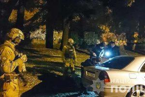 В Николаеве спецназ и угрозыск задержали таксистов, которые похищали людей и занимались наркобизнесом
