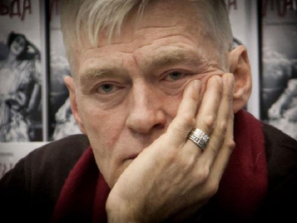 «Сижу на подножных кормах»: известный российский актер оказался в бедственном положении