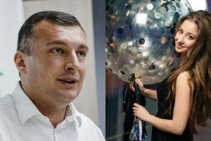 """СМИ поймали """"слугу"""" за интимной перепиской на заседании Рады"""