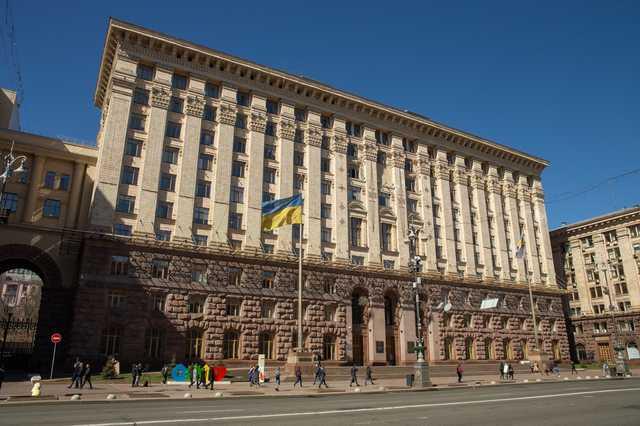 Кличко поставил во главе киевской промышленности своего кума и партнера Палатного