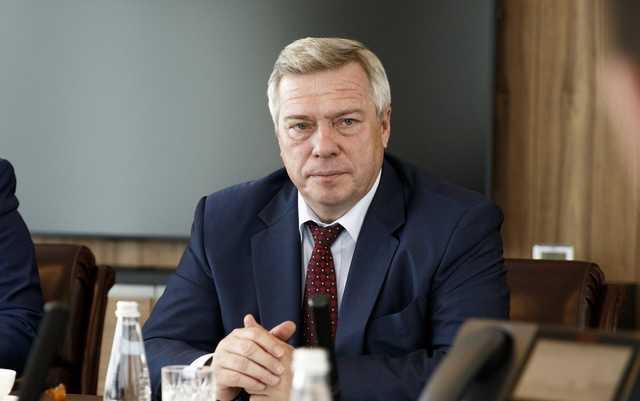 Губернатор Голубев обманывает президента Путина?