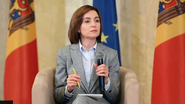 Парламент Молдовы урезал полномочия новоизбранного президента Санду