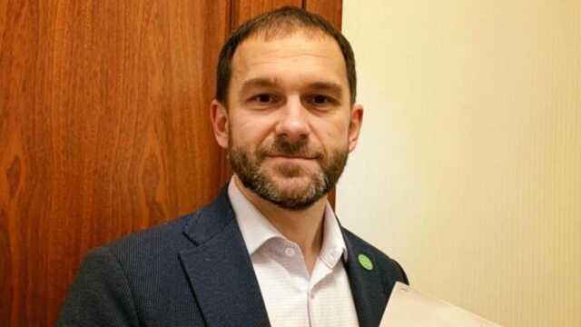 Депутат Каптелов совершает странные сделки: подешевке купил землю у родственника и продал квартиру по заниженной цене