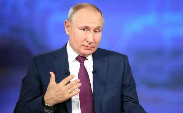 Путин заявил, что в его окружении коронавирусом заболели десятки человек