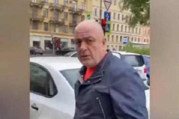 Водитель соцтакси в Петербурге напал на пенсионерку: итог – дело о хулиганстве и отказ города работать с «Такси блюз»