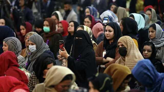 Талибы пустили на работу в Министерство по делам женщин только мужчин