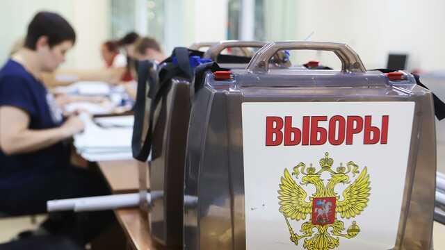 В Петербурге задержали парня, который попытался вбросить бюллетени