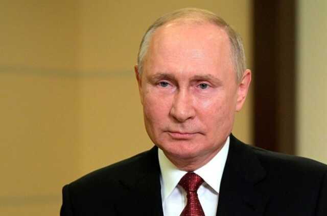 В Твиттере предположили, что Путин «проголосовал» еще 10 сентября — выдали часы на руке