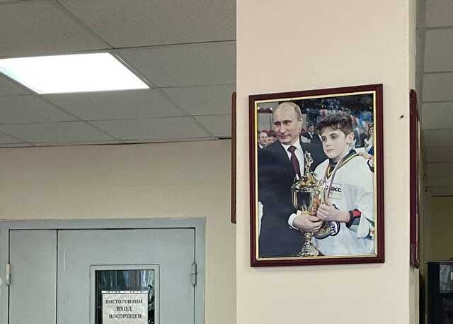 В Челябинской области наблюдатель нашел на участке портрет Путина, который тут же сняли