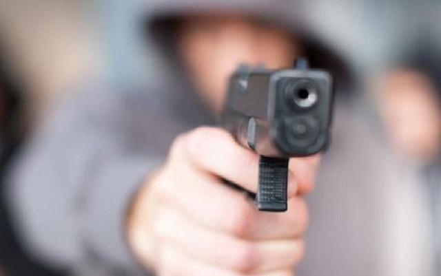 Неизвестный обстрелял школу в Санкт-Петербурге
